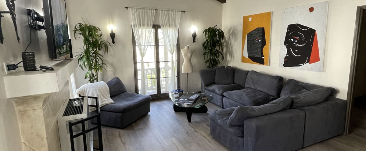 New Orleans Style Apt With Vaulted Ceiling & Greenery Exterior in Los Angeles Hero Image in Leimert Park, Los Angeles, CA