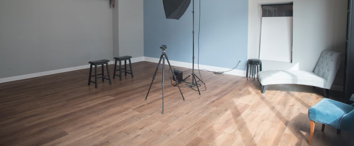 Natural Light Photo Studio and easy load in in Chicago Hero Image in Avondale, Chicago, IL