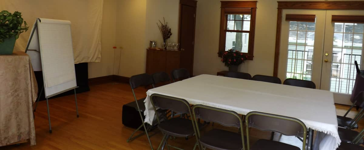 Spacious & convenient work, collaboration or meeting space in Oak Park Hero Image in undefined, Oak Park, IL