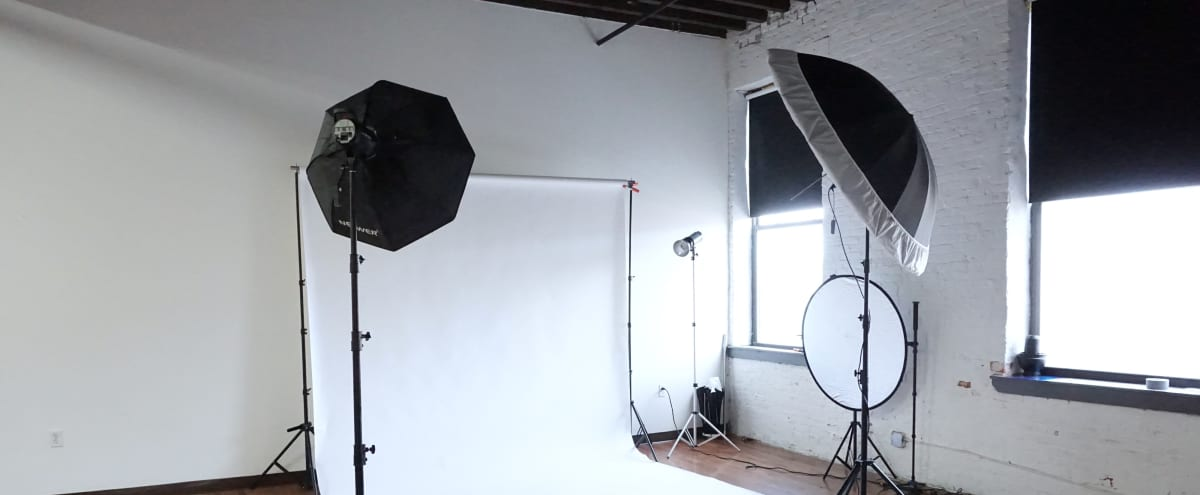 Fully Equipped & All Inclusive Photo/Video Studio in Philadelphia Hero Image in Fishtown, Philadelphia, PA