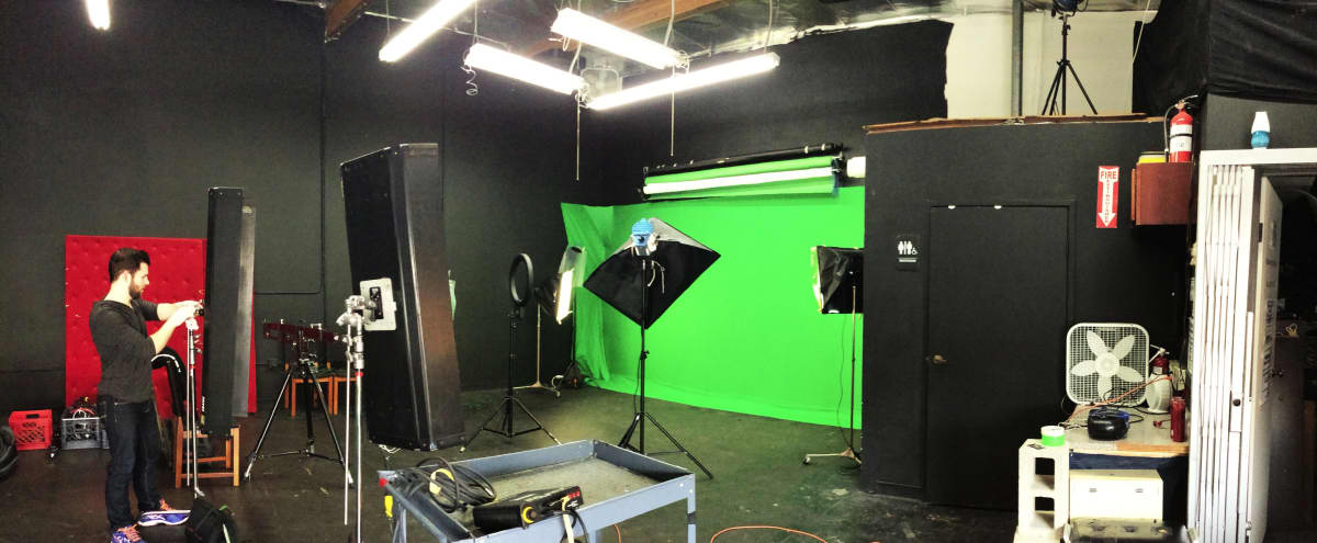 Photo Film Stage - $30 Hour Photo Studio Rental - Film Stage Rental - Los Angeles in Glendale Hero Image in Glendale, Glendale, CA