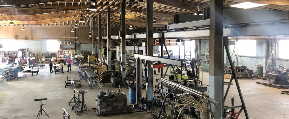 16.000 sq. ft. RAW - FACTORY - INDUSTRIAL WAREHOUSE HUGE, OPEN, ARCHITECTURAL FILM + PHOTO LOCATION - PARKING, DRIVE-IN Loading in Paramount Hero Image in undefined, Paramount, CA