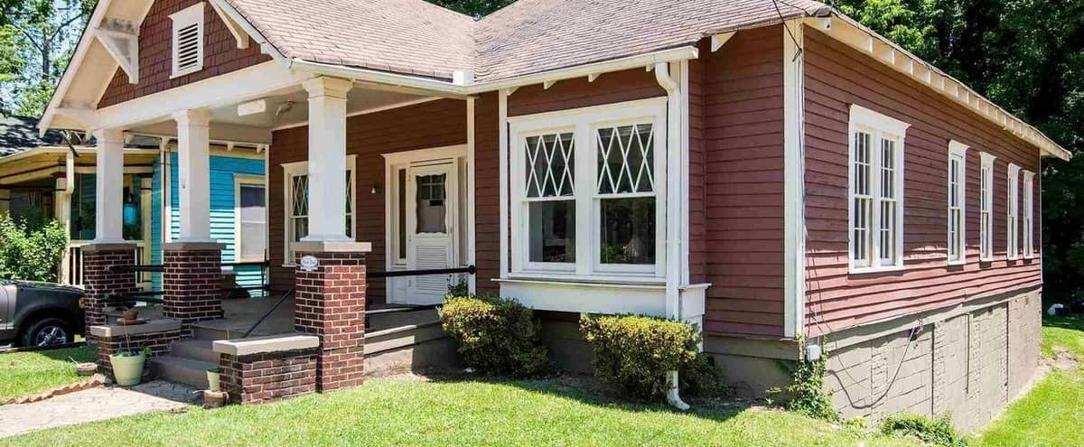 Charming Historic Bungalow with tons of character and warmth: Ideal for TV and Film Productions, Commercials, and Photoshoots in Atlanta Hero Image in West End, Atlanta, GA