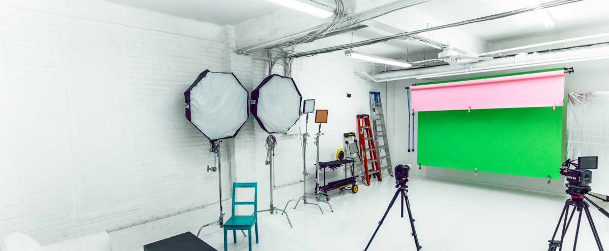 Fully Equipped Photo/Video Studio | White Room in Philadelphia Hero Image in Norris Square, Philadelphia, PA