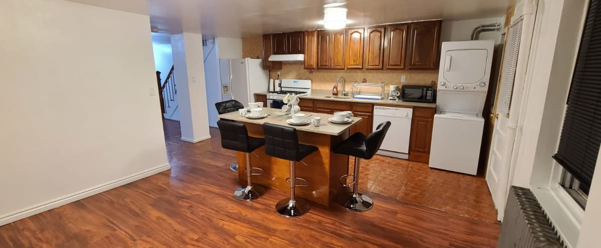 Roomy Bed-Stuy Duplex with 2Bedrooms/2Bathrooms + Kitchen in Brooklyn Hero Image in Bedford-Stuyvesant, Brooklyn, NY