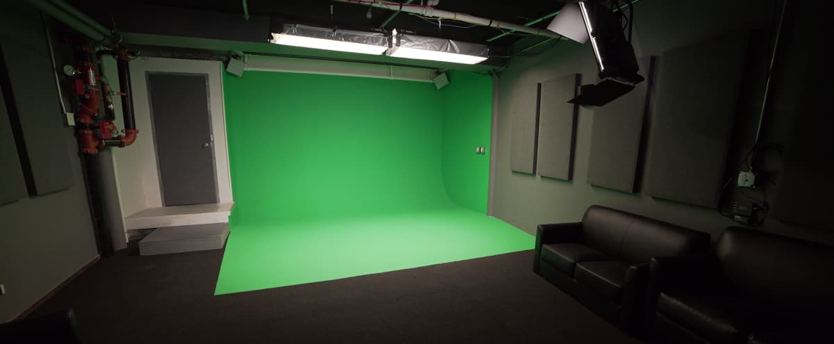Greenscreen sound stage in Chelsea Manhattan with pre-lit cyc for single person head-to-toe filming. in New York Hero Image in Chelsea, New York, NY