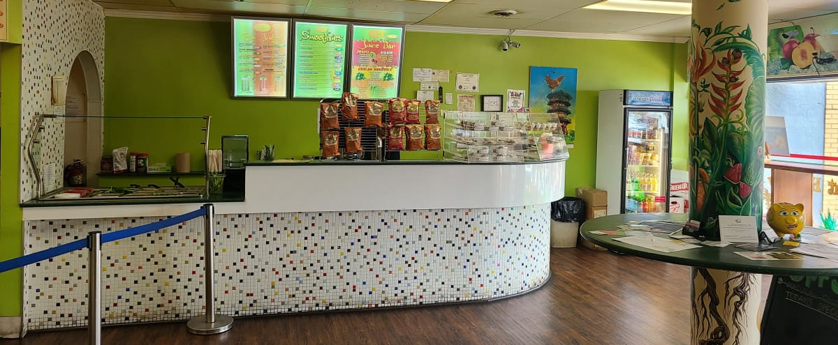 Pop-Up Quick serve Restaurant with Juice/Smoothie Bar in Catonsville Hero Image in undefined, Catonsville, MD
