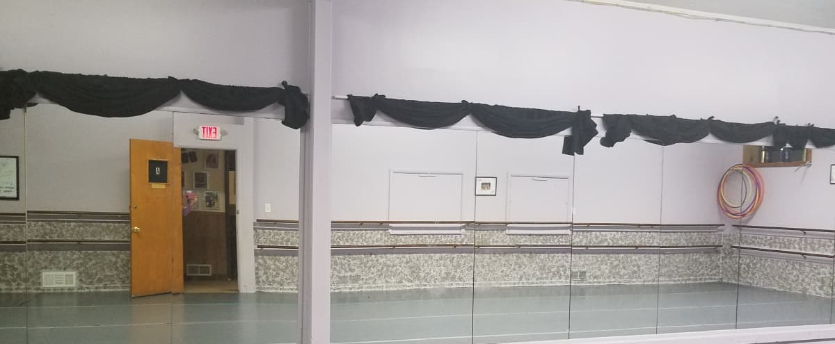 Centrally Located Dance Studio Production Space with Two Large Rooms in Wyandotte Hero Image in undefined, Wyandotte, MI