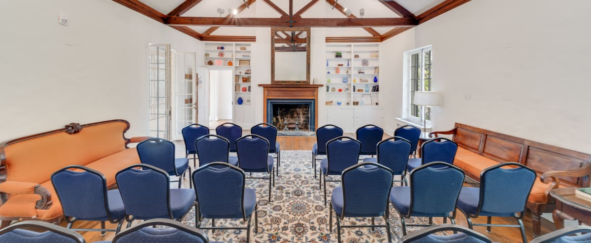 Historic Living Room Space for Intimate Events in WASHINGTON Hero Image in Kalorama Heights, WASHINGTON, DC