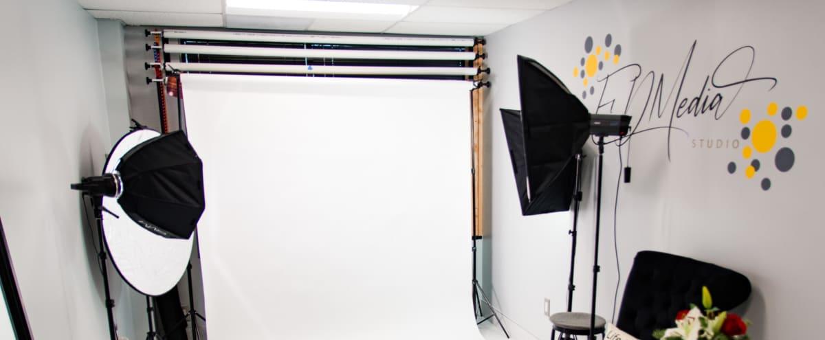 Exclusive Photography Studio close to Potomac Mills in Woodbridge Hero Image in undefined, Woodbridge, VA