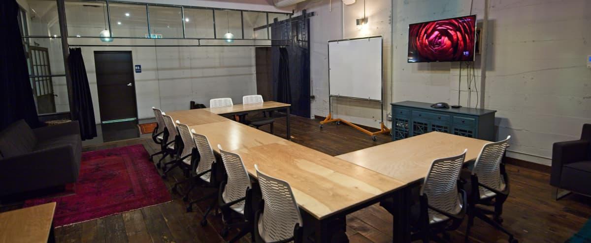 Spacious Uptown Creative Lounge - 25 People in Minneapolis Hero Image in Lyn-Lake, Minneapolis, MN