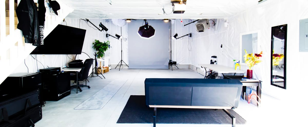 Boston's Finest Studio w/ FREE PARKING + Sound System in Boston Hero Image in Cedar Grove, Boston, MA