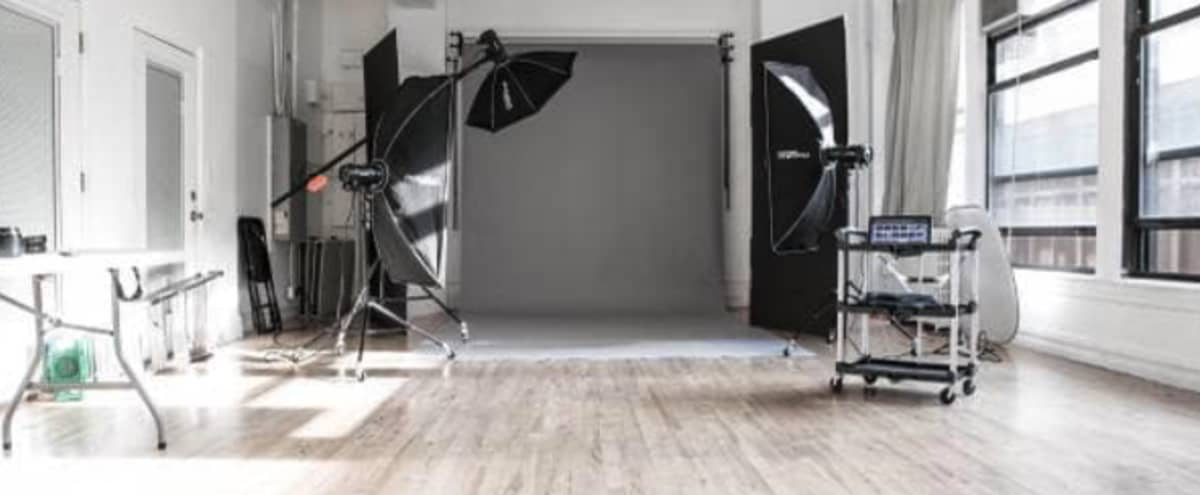 Affordable Daylight Video Studio in Midtown Manhattan in New York Hero Image in Midtown, New York, NY