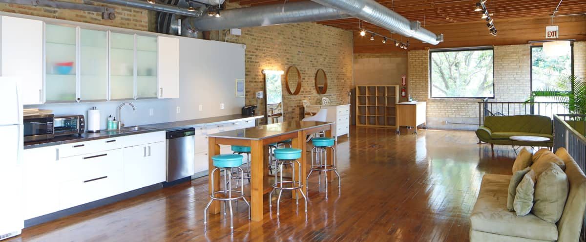 Hidden Gem Studio   Perfect for Intimate Events in Chicago Hero Image in West Town, Chicago, IL