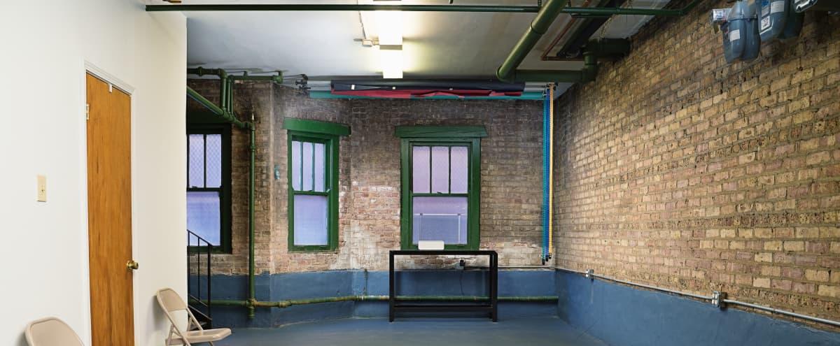 Quiet Raveswood Photo / Video Studio in Chicago Hero Image in Lake View, Chicago, IL