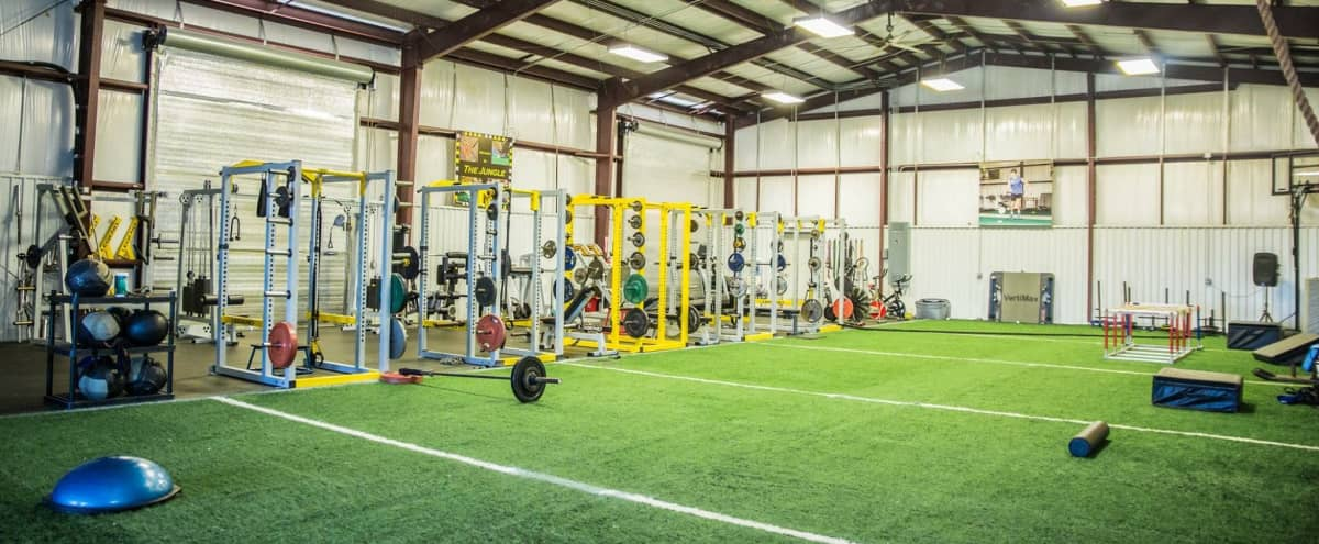 Urban Warehouse Fitness Gym in Friendswood Hero Image in Hoidale & Coffman, Friendswood, TX