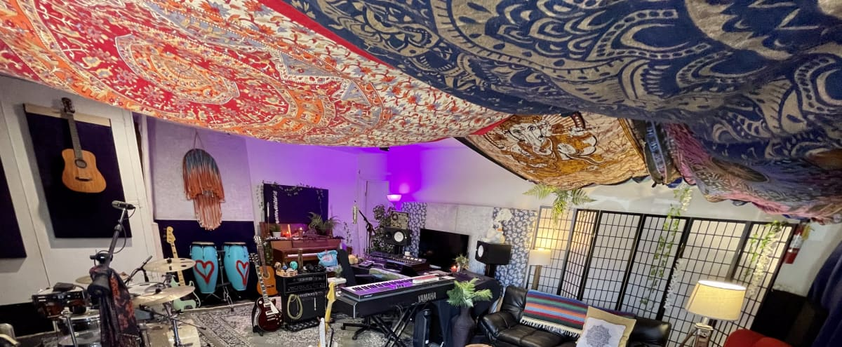 Recording Studio in GLENDALE Hero Image in Vineyard, GLENDALE, CA
