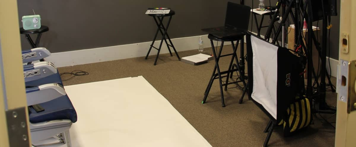 Photo/Video Studio: w/ Seamless Color Backdrops & Studio Lighting in decatur Hero Image in Oakhurst, decatur, GA