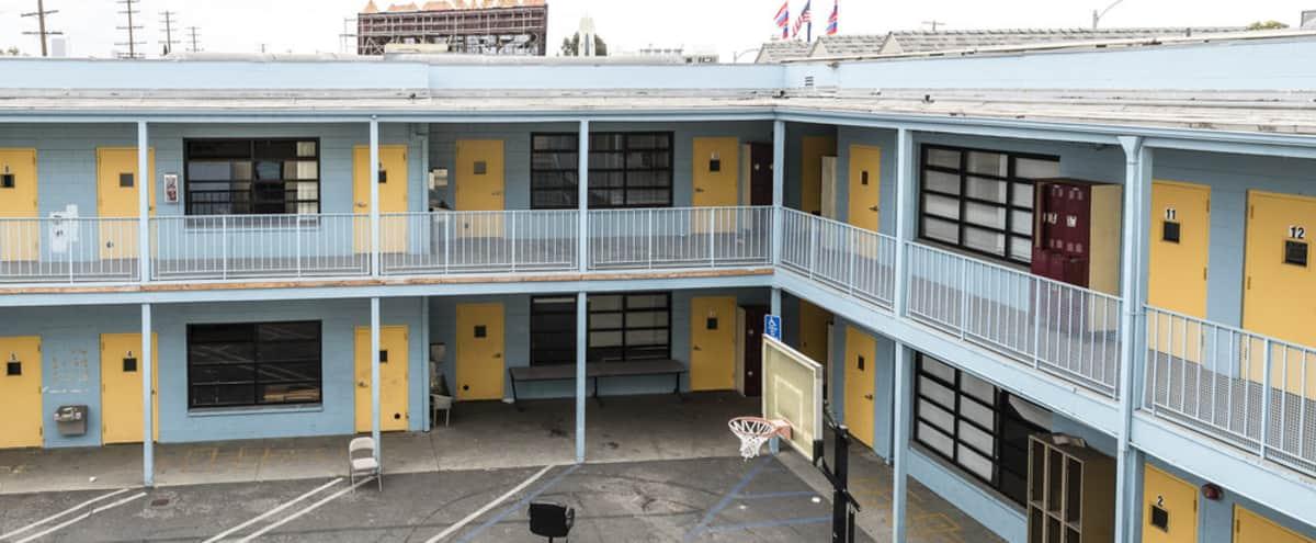 School Facilities with Classrooms, Auditorium, Yard and Lockers in Los Angelos Hero Image in Pico - Robertson, Los Angelos, CA