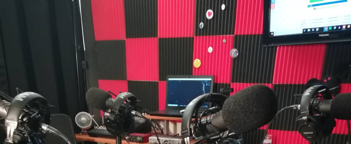 Affordable Podcast Studio In Burbank With Lots of Amenities in Burbank Hero Image in undefined, Burbank, CA