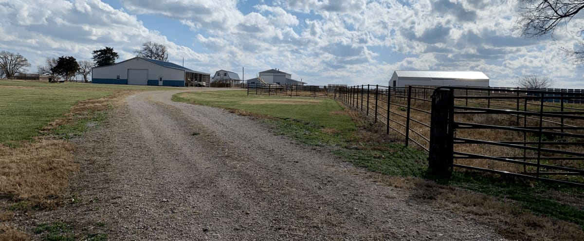 Royal Oak Farms: Serene Country Close to the City in Pomona Hero Image in undefined, Pomona, KS