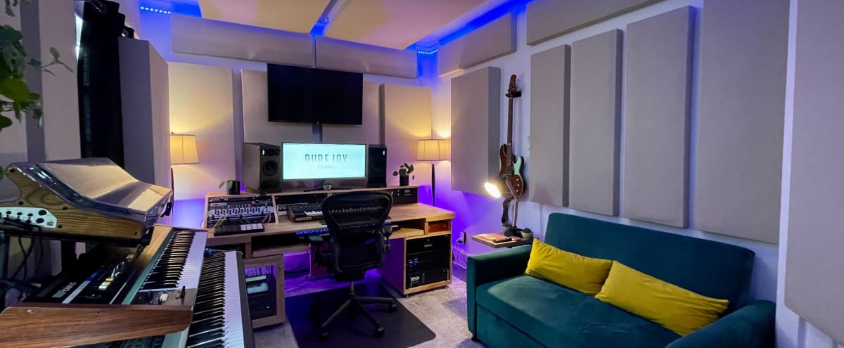 Gorgeous High-End Downtown Recording Studio in Long Beach Hero Image in Downtown, Long Beach, CA