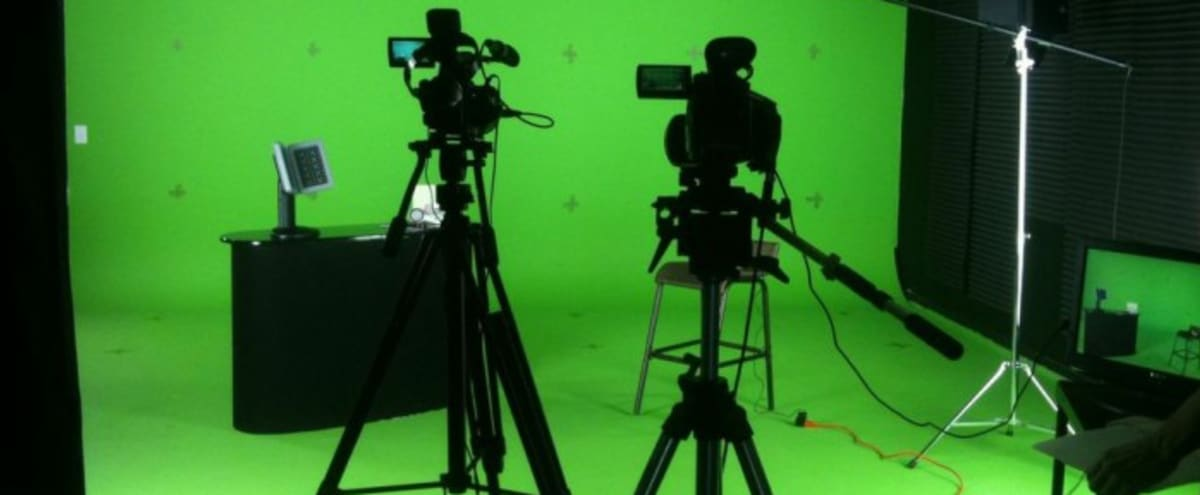Green Screen Studio Rental - Walk-In-and-Shoot Ready in Aurora Hero Image in undefined, Aurora, CO