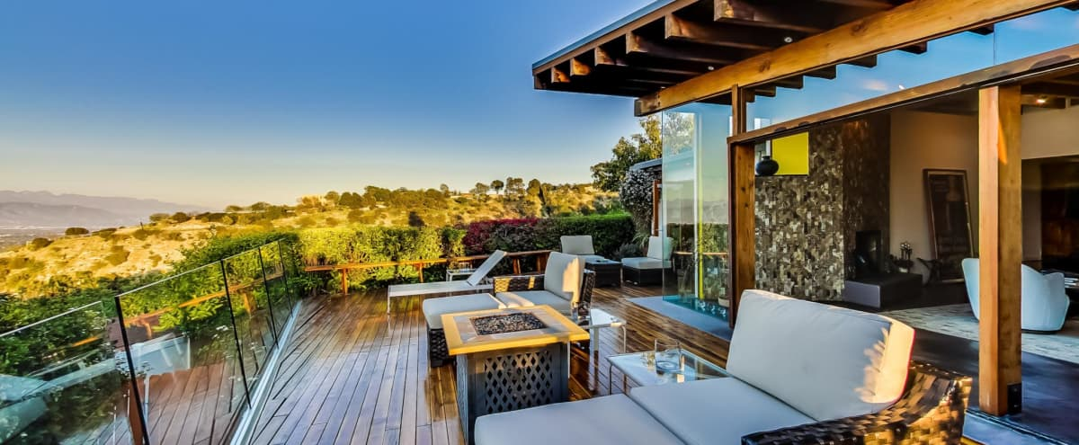 Mulholland Mid Century with Million Dollar View in Los Angeles Hero Image in Sherman Oaks, Los Angeles, CA