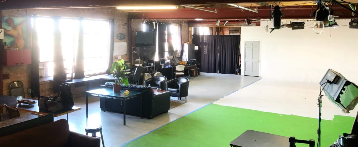 Photography and Video Loft studio with great natural lighting in Chicago Hero Image in East Garfield Park, Chicago, IL