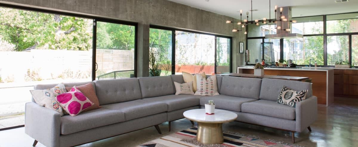 Minimalist Modern Home with Pool in Austin Hero Image in Blackshear-Prospect Hill, Austin, TX
