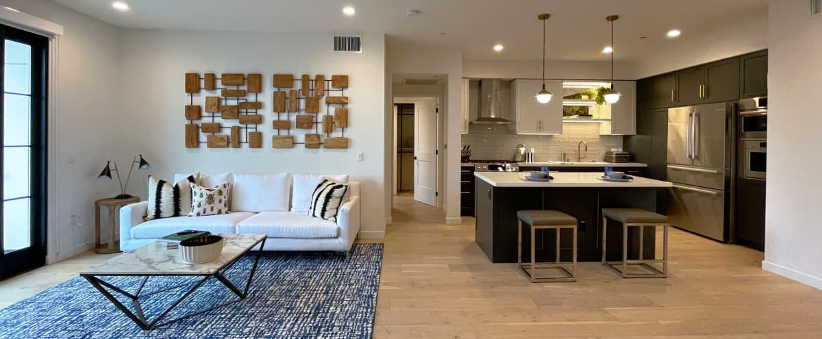 Elegant Fully Staged luxe Apartment, 1384 sqft in Los Angeles Hero Image in Central LA, Los Angeles, CA