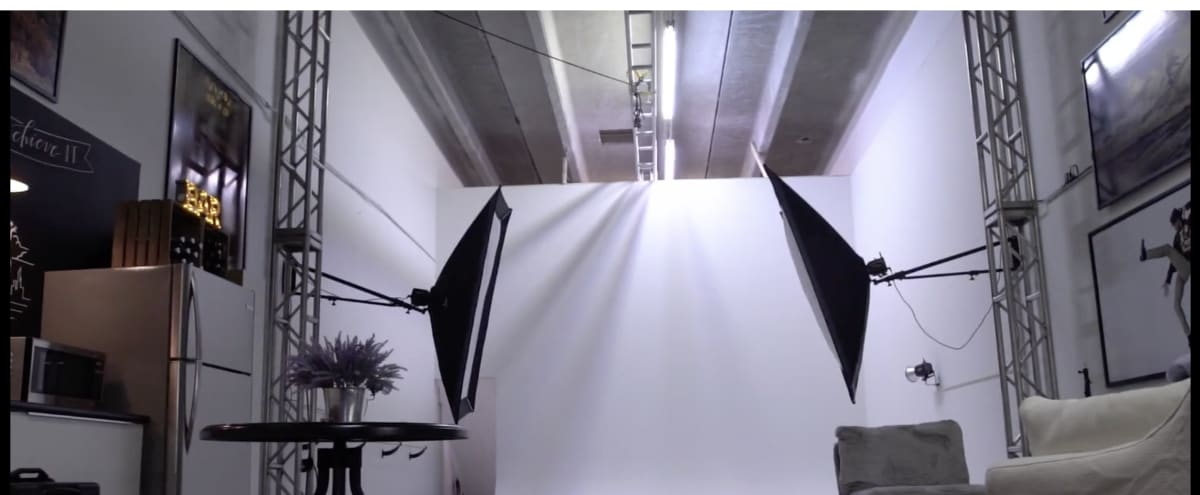 Comfortable Modern Photo Studio in Sunrise Hero Image in undefined, Sunrise, FL
