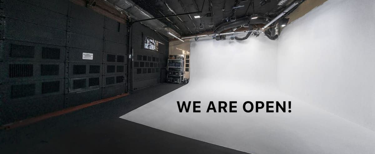 1,000 sq. ft Seamless Cyclorama Photo/Film Stage in North Hollywood Hero Image in Valley Glen, North Hollywood, CA