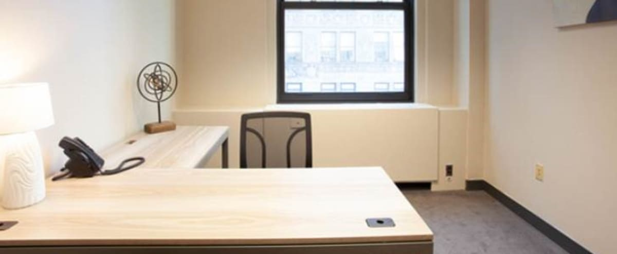Private Day Office Space in New York Hero Image in Midtown Manhattan, New York, NY