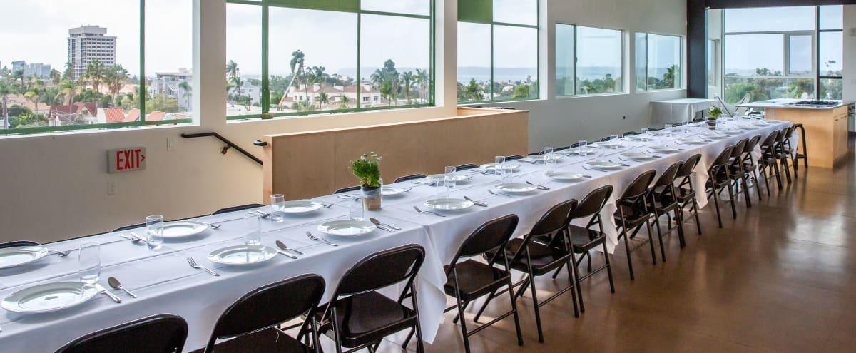 Modern, Solarium, Open Space, Floor to Ceiling Windows, Kitchen, Top Floor, City and Bay View in San Diego Hero Image in Hillcrest, San Diego, CA