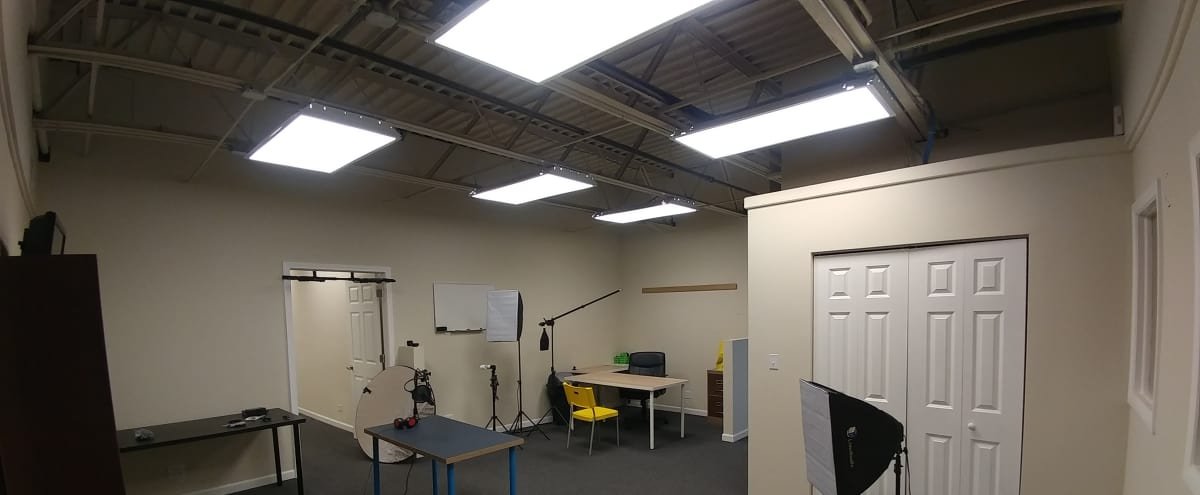 Spacious Two Story Office/Studio in Chicago Hero Image in Montclare, Chicago, IL