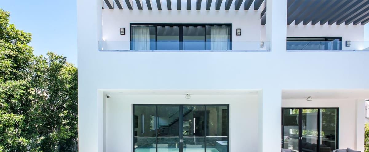 The Dream Villa in Los Angeles Hero Image in Mid City, Los Angeles, CA