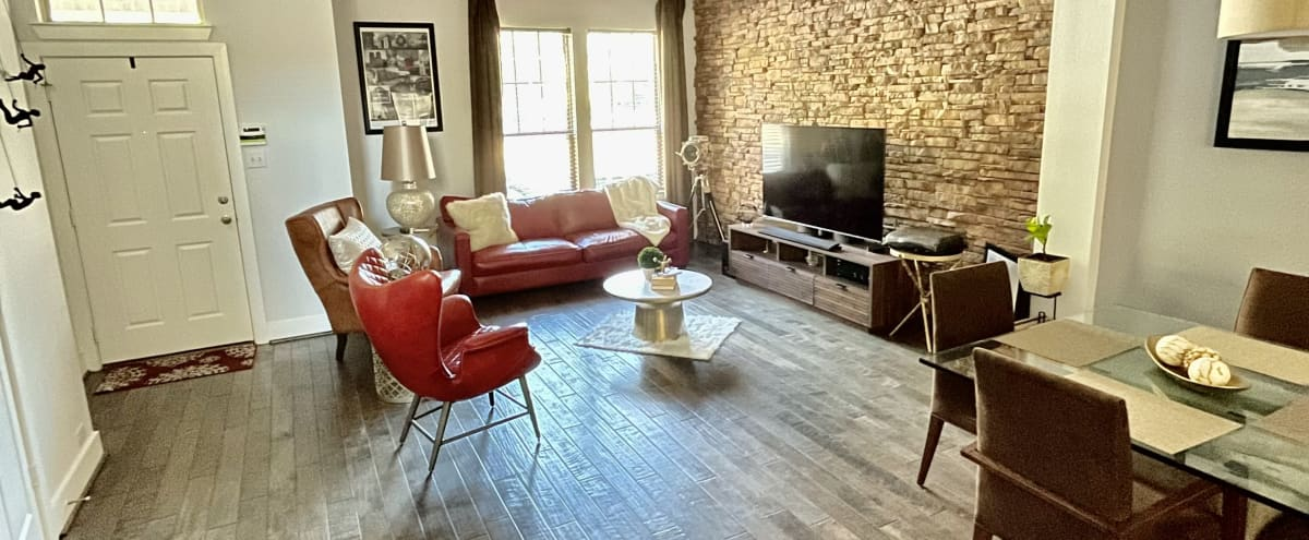 Luxurious, Modern and Spacious Townhome near Downtown Richardson in Richrdson Hero Image in undefined, Richrdson, TX