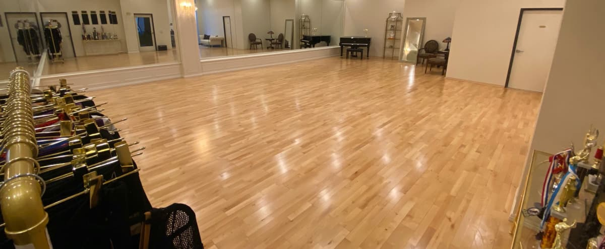 1500sf Luxury Dance Studio with Grand Piano for DANCE I Fitness I YOGA I Workshops I Rehearsals I Photoshoots I in Arcadia Hero Image in undefined, Arcadia, CA