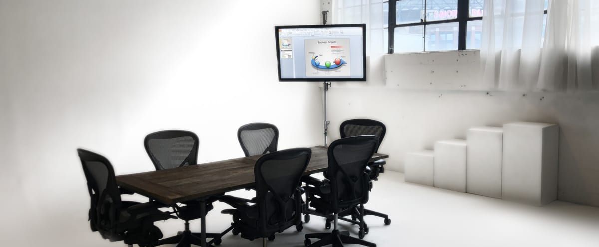 Spacious Daylight Meeting Room Studio located in Sodo in Seattle Hero Image in SoDo, Seattle, WA
