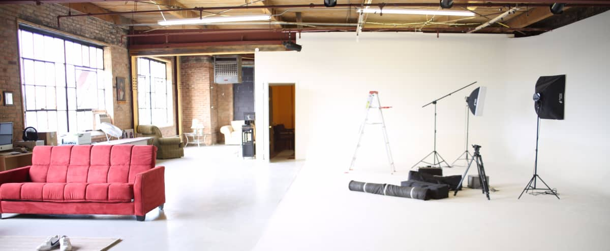 Nice urban open style loft  studio located in Chicago's East Garfield Park area.  Roc Star Studio is not a stand alone property, it is located in a artist loft building. Some perks are: free wifi, free parking, free use of overhead lights, free use of some lighting gear. You will be amongst other creatives in this creative space. in Chicago Hero Image in Garfield Park, Chicago, IL