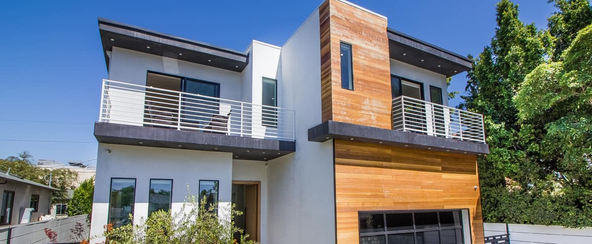 Immaculate 2-Story Hollywood Modern! in Los Angeles Hero Image in Hollywood, Los Angeles, CA