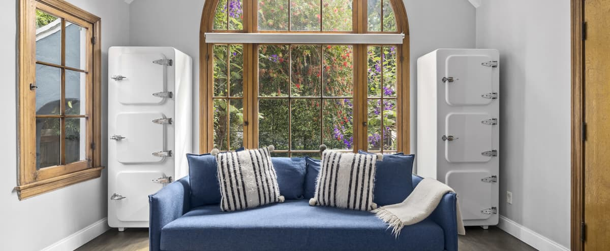 Serene, Light-filled Home Near the Beach in Los Angeles Hero Image in Mar Vista, Los Angeles, CA