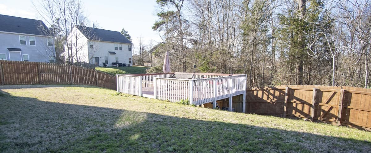 Spacious & Comfortable Home with many breakout areas in CHARLOTTE Hero Image in Harwood Lane, CHARLOTTE, NC