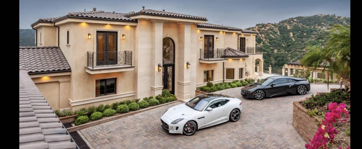 Luxury Estate in Glendale Hero Image in Oakmont, Glendale, CA