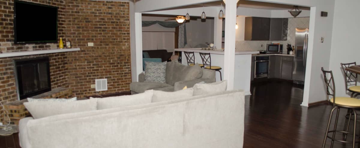 Spacious/Cozy Muti-Purpose Urban Space in Country Club Hills Hero Image in undefined, Country Club Hills, IL