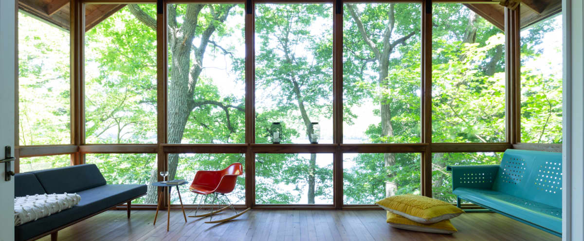 Amazing lakehouse featured in Dwell Magazine in Putnam Valley Hero Image in undefined, Putnam Valley, NY