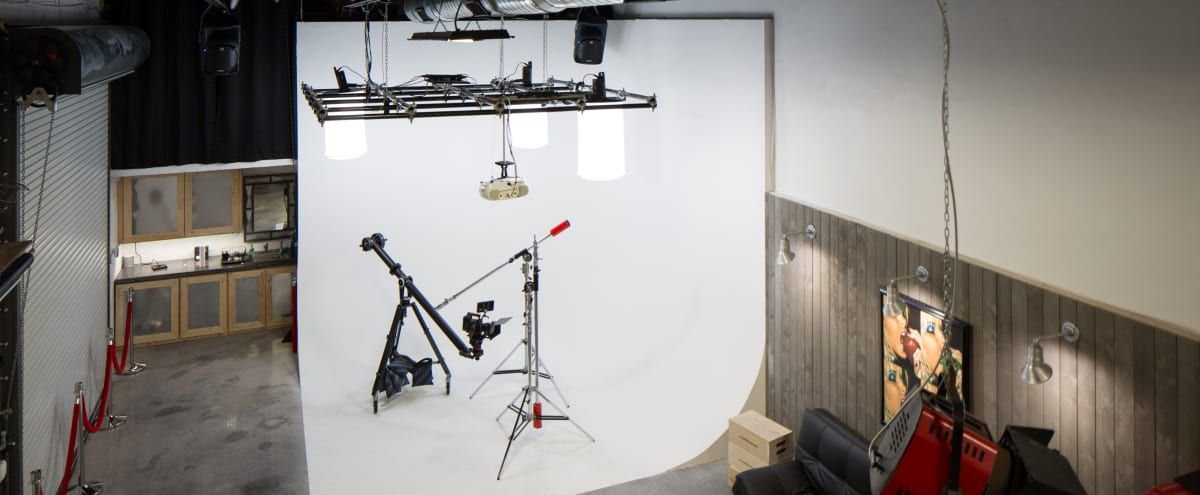 Spacious Photo & Video Studio with Drive in Access in Fort Lauderdale Hero Image in Central Business District, Fort Lauderdale, FL