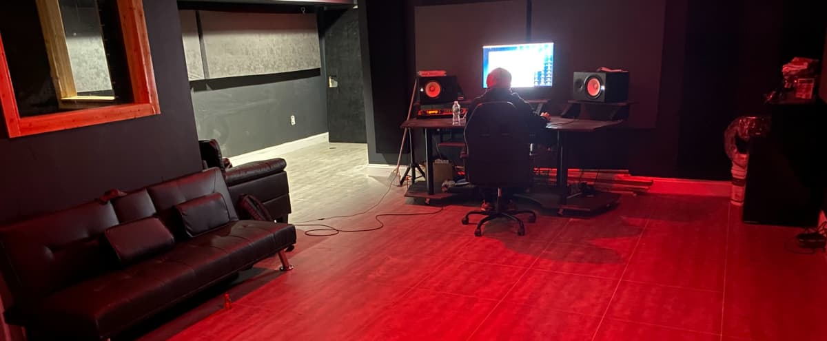 South Bronx Recording/Event Studio (Spacious) in Bronx Hero Image in Mott Haven, Bronx, NY