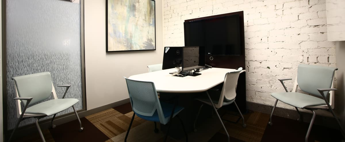 Intimate Downtown Meeting Room for up to 5 people in Las Vegas Hero Image in Arts District, Las Vegas, NV